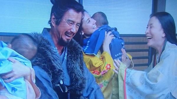 大河ドラマの真田丸で放送事故…映ってはいけないものが映る…