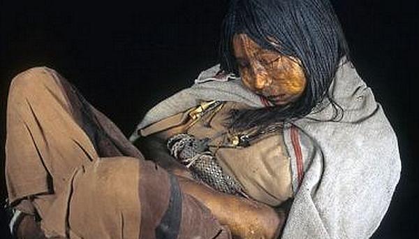 氷漬けになって発見された少女…インカ帝国の生贄の実態が明らかに…