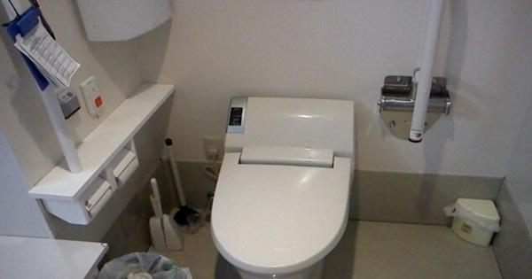 コンビニのトイレで発覚した日本社会の闇…完全にブラックだった…