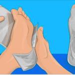 アルミホイルの驚きの活用法5選!1時間足に巻いてみると驚きの効果が…
