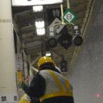 電車の遅延で鉄道会社を叩く人に見てほしい1枚の写真…駅で目撃された光景に考えさせられる…