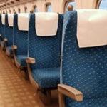 新幹線で家族連れが「席替わってください」と言われたから…「どの席ですか?」と聞くと…