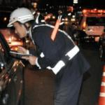 泥酔して具合の悪い友人を車で運んでいたら飲酒検問…俺「飲んでないよ」警察「ダメ」→強行手段を行使した結果…