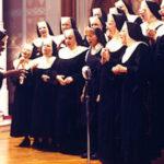 「天使にラブ・ソングを…」25年後再びあの曲を歌い、涙が溢れる…