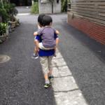 自閉症の弟を馬鹿にする小学生…そのとき放った兄の言葉が胸につき刺さる…