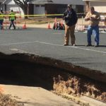 テキサスの住宅街で道路が陥没…しかし穴の底には神秘的な世界が広がっていた…
