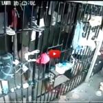 刑務所で女性の刑務官が男達に襲われる…衝撃映像が話題に…