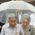 天皇陛下が雨の日に透明なビニール傘を愛用する理由…心優しい配慮が隠されていた…