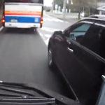 煽り運転する運転者は点数関係なく最長180日免停…どんどん取り締まってほしい!