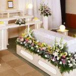 葬儀中に20歳の男性が生き返った…場内が混乱する中、衝撃の事実が判明してしまう…
