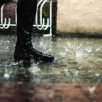 雨の日に靴の裏にあることをすると格段に滑りにくくなる…警視庁公式のライフハックが話題に…